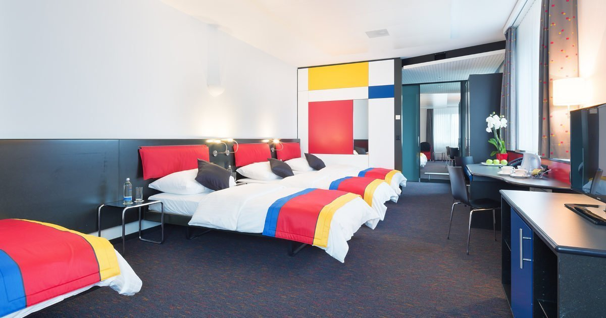 Four-bed room with Sofa Hotel Allegra, Zurich Airport, welcome hotels