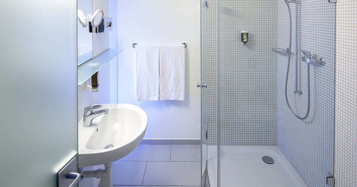 Twin Room bathroom Hotel Balade, Basel, welcome hotels