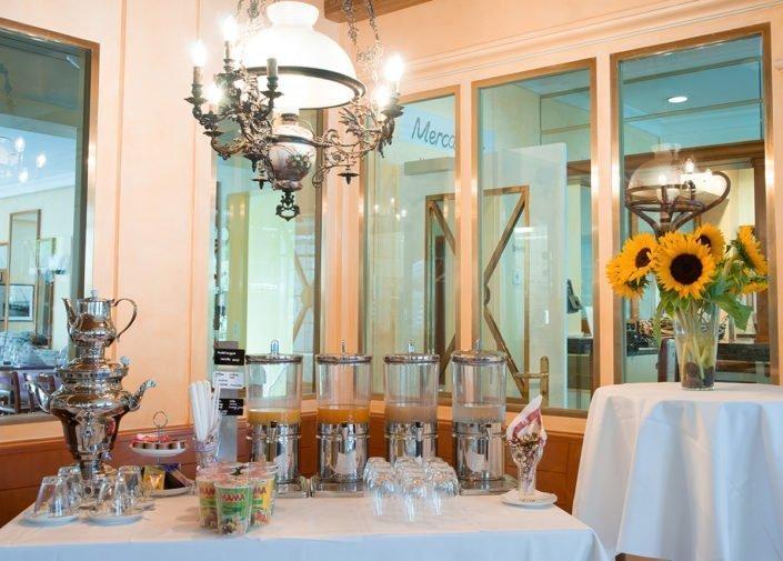 Frühstücksbuffet Hotel Fly away, Zürich-Flughafen, welcome hotels