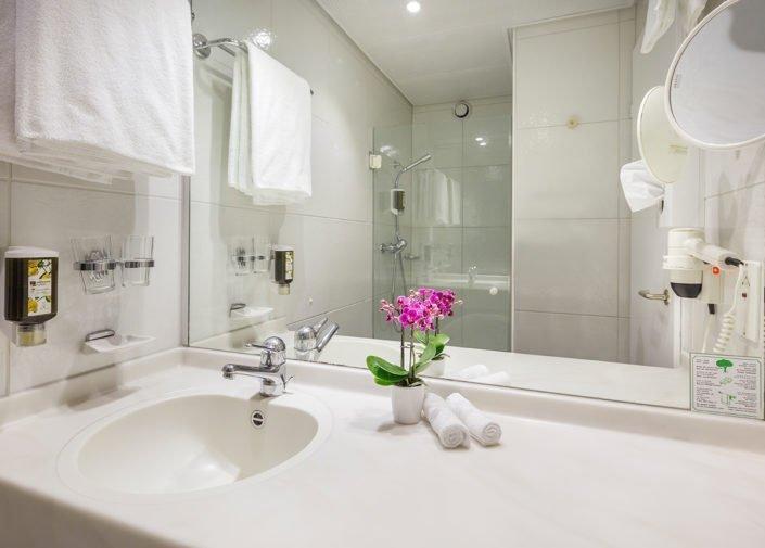 Badezimmer Doppelzimmer Classic Hotel Welcome Inn, Zürich-Flughafen, welcome hotels