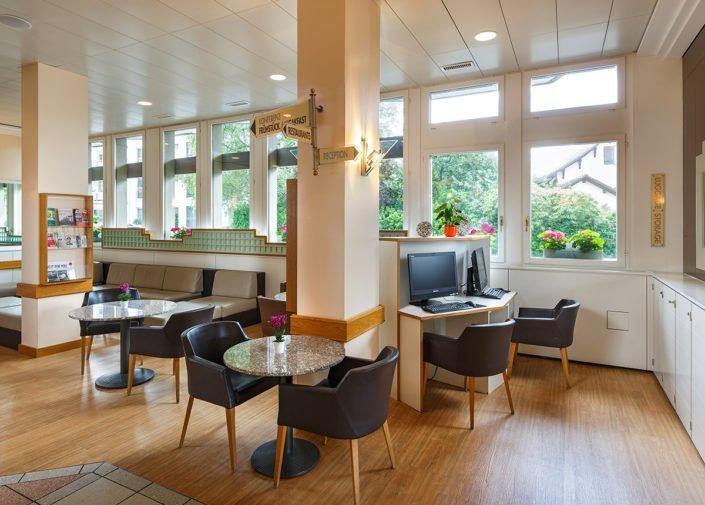 Lobby und Rezeption Hotel Welcome Inn, Zürich-Flughafen, welcome hotels